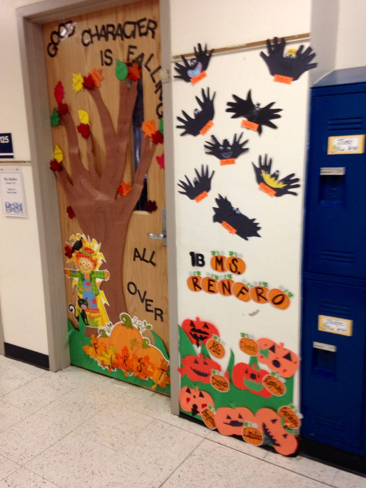 Classroom door decoration for fall halloween pinterest for Autumn classroom decoration