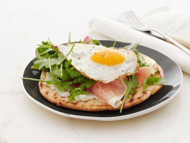 Giada's Crispy Breakfast Pita