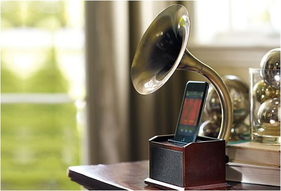 Awesomest iPod dock ever!
