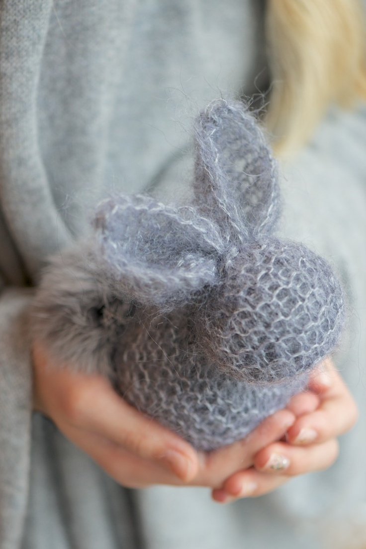 Easter Bunny Knitting Pattern : Cute Knitted Easter Bunny Bunnies Pinterest