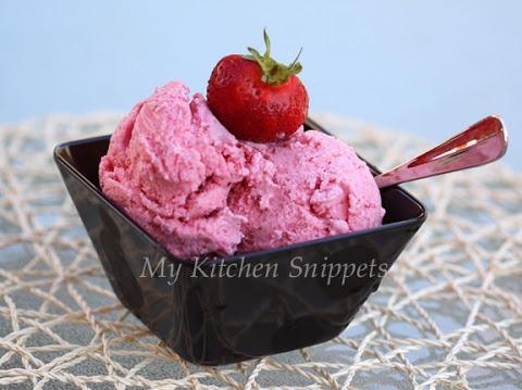 Eggless strawberry ice cream~ Very simple to make