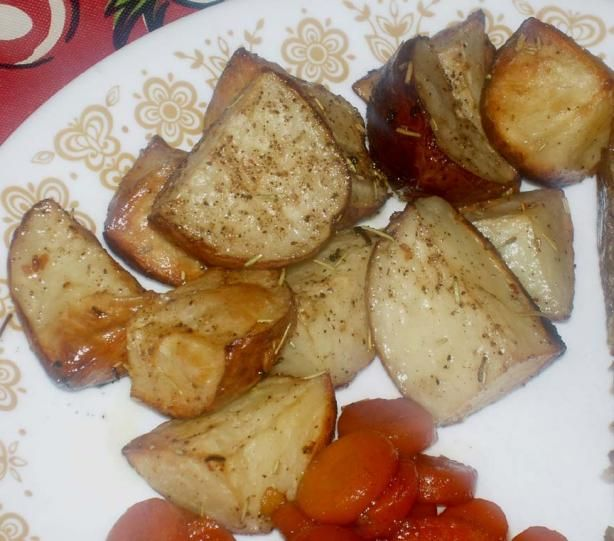 Garlic Roasted Red Potatoes. Photo by Midwest Maven