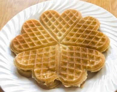 Heart Norwegian Waffles | Norwegian Desserts | Pinterest