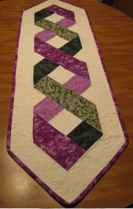 Ribbon Pattern Runner | My Quilt Projects | Pinterest