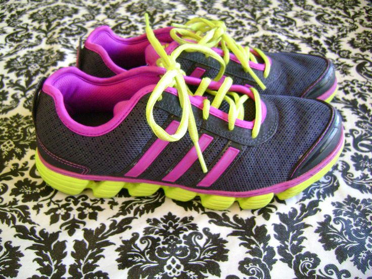 ADIDAS NEON YELLOW PURPLE BLACK RUNNING SHOES WOMENS 7.5 FITS LIKE 8