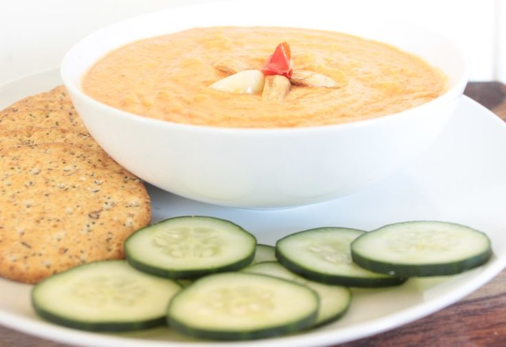 Roasted Red Pepper and Garlic Hummus | dips & spreads | Pinterest
