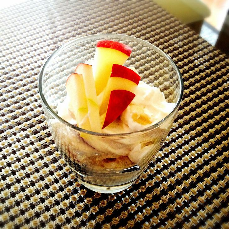 Yogurt cream fruits salad♥️ Ingredients Banana, apple,Greek yogurt ...