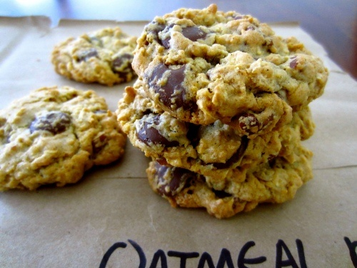 Oatmeal pecan chocolate chip cookies | good eats: baking | Pinterest