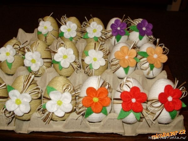 oeufs déco ficelle et fleur feutrine  Pâques + 1er Avril ...