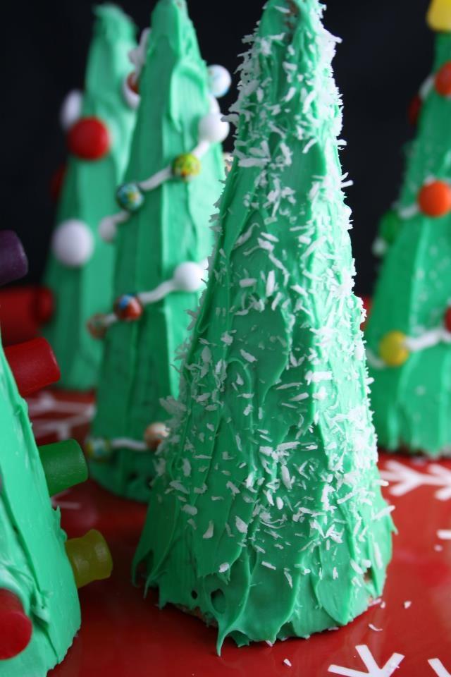 Christmas Tree Craft Ice Cream Cone : Christmas tree ice cream cones gingerbread village