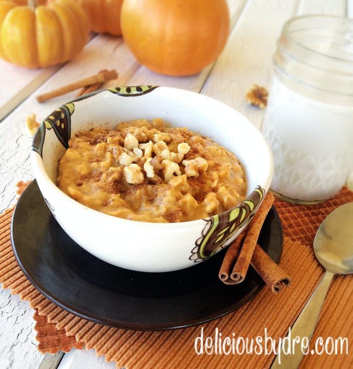 pumpkin oatmeal with almond milk and walnuts - 3 min. breakfast