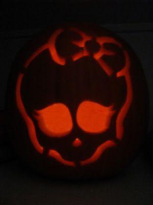 Monster high pumpkin monster high pinterest for Monster pumpkin carving patterns