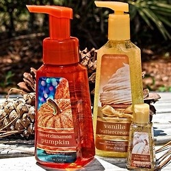 Bring the best fall scents to your sink! <3      Photo by BBW Florida District Manager & #FragranceFan Marisa.