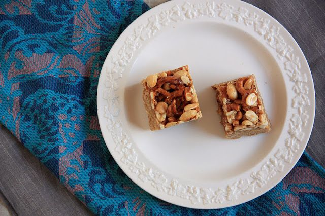 brown butter extremely rich blondie bars with peanut-pretzel caramel ...