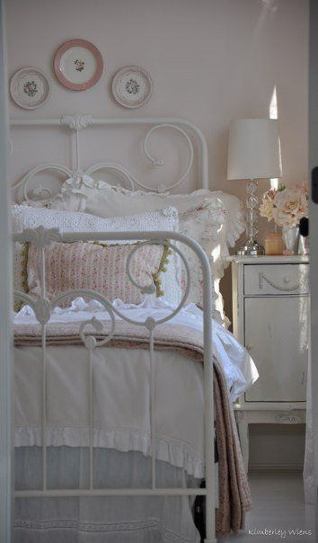 Very pretty #shabby #bedroom