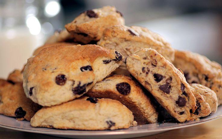 Chocolate Chip Walnut Scones | baking | Pinterest