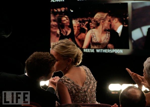 In 2006  Reese Witherspoon kisses her husband Ryan Phillippe before    Reese Witherspoon And Ryan Phillippe Kiss