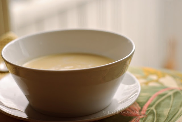 Chilled Peach Soup. Thinking of making this to freeze in popsicle ...