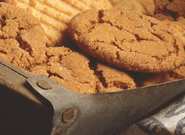 """Molasses Crinkles These cookies just scream """"Christmas!"""" when I sme..."""