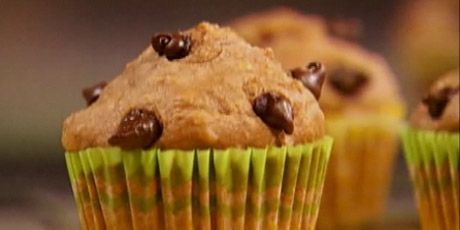 Banana Chocolate Chip Muffins Recipe | All things baked, flaky, glaze ...