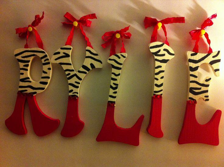 Zebra pink girly. Personalized Homemade Nursery  | Bamland Designs