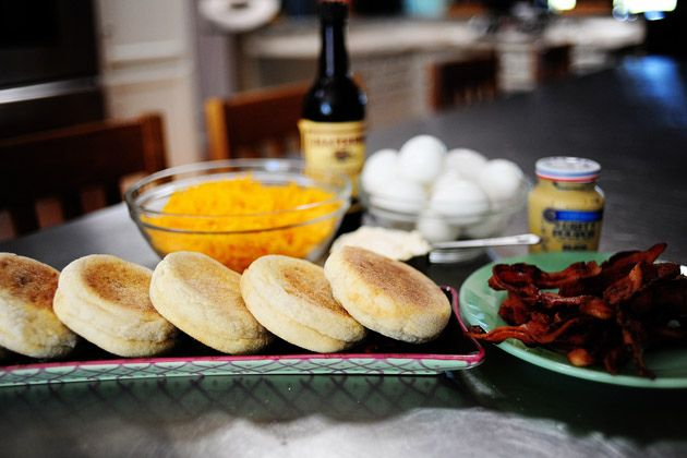 Make-Ahead Muffin Melts from the Pioneer Woman (eggs, bacon, cheese ...