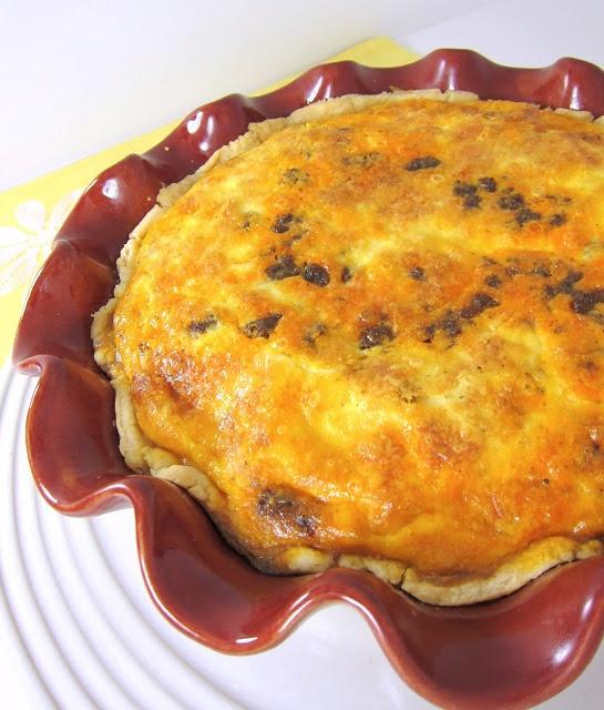 Green Chili And Smoked Cheddar Chorizo Breakfast Cups Recipe ...