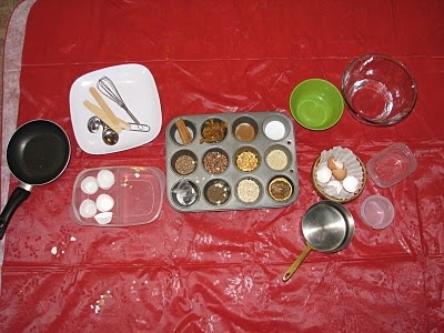 Chwarae coginio / pretend cooking with real ingredients and equipment