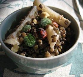 Salade van knolselderij en linzen De Israëlische chef Yotam ...