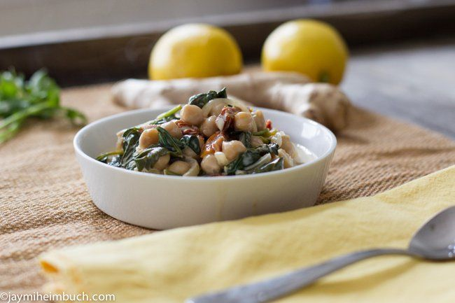 Braised coconut spinach with chickpeas and lemon [Vegan] : TreeHugger