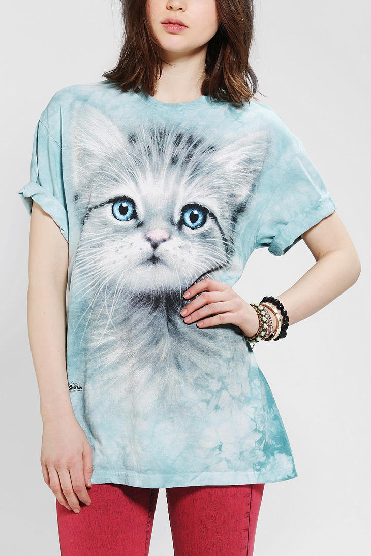 Cat shirt;) I need one!