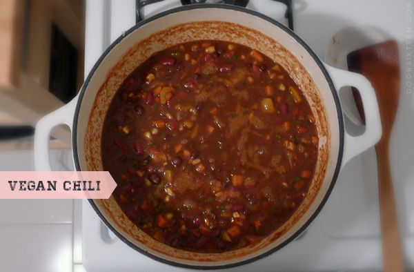 door sixteen vegan chili! uses bulgur wheat (which i have kickin ...