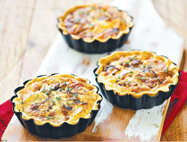 Potato, Caramelised Onion and Thyme Tart | Tartes | Pinterest