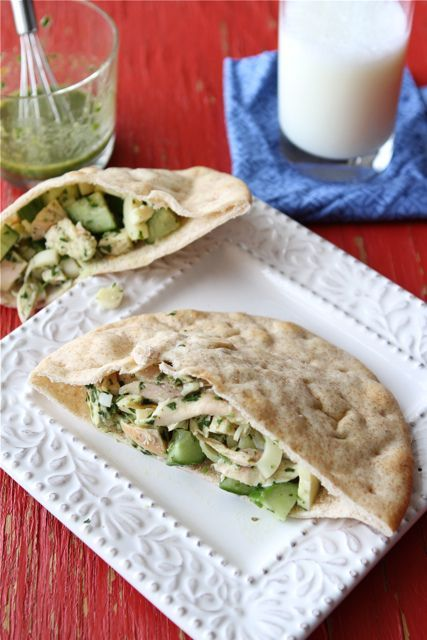 Pita Sandwich with Chicken, Hearts of Palm & Chimichurri Dressing | R ...