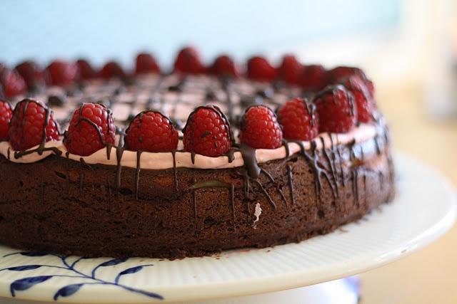 Cheesecake brownie med hindbærskum   Recipes - Cakes   Pinterest