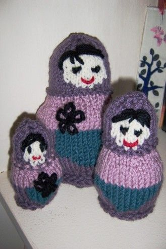 Russian Dolls Knitting Pattern - Sinead O'Brien FREE PATTERN HERE