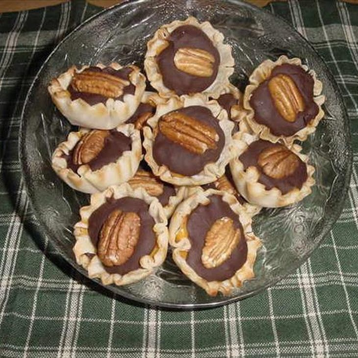 Mini Butterscotch Choco-Pecan Phyllo Cups Recipe