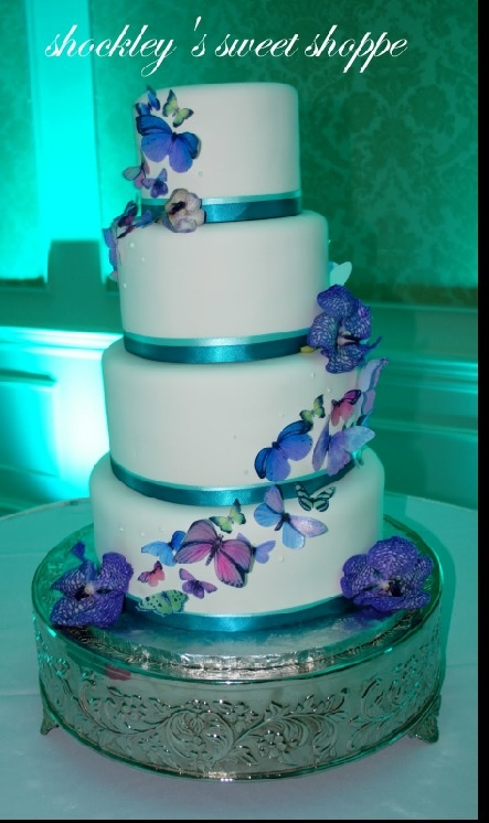 Beautiful purple and teal wedding cake