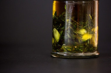 Thyme and Garlic Olive Oil   Better homemade   Pinterest