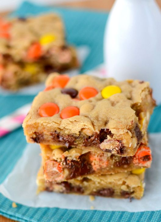 Loaded Chocolate Chip Cookie Bars | Christmas | Pinterest