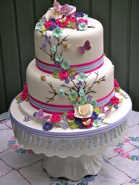 small modern wedding cakes cakes cupcakes tips pinterest