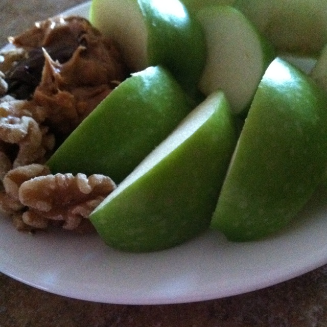 ... snack. Green apple, organic walnuts, peanut butter and Nutella
