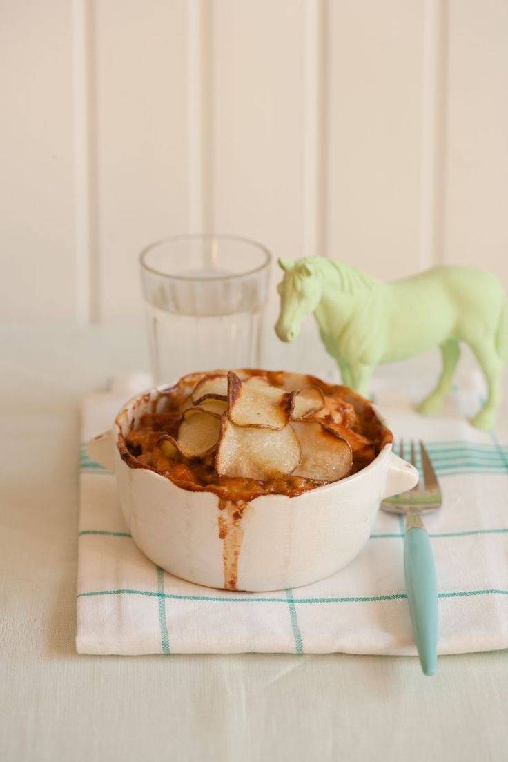 mmm chicken pie with scalloped potatoes on top! And a little green ...