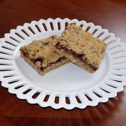 Delicious Raspberry Oatmeal Cookie Bars Allrecipes.com