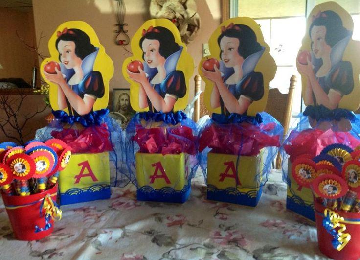 Snow white centerpieces sammi s th birthday party