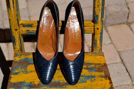 vintage 40S REPTILE navy blue HEELS 75 by faintofheartvintage, $75.00