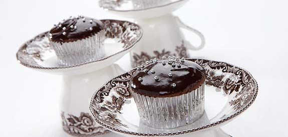 Milk Chocolate Cupcakes with dark chocolate frosting
