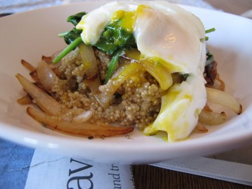 warm quinoa salad with spinach, poached eggs & caramelized onions ...