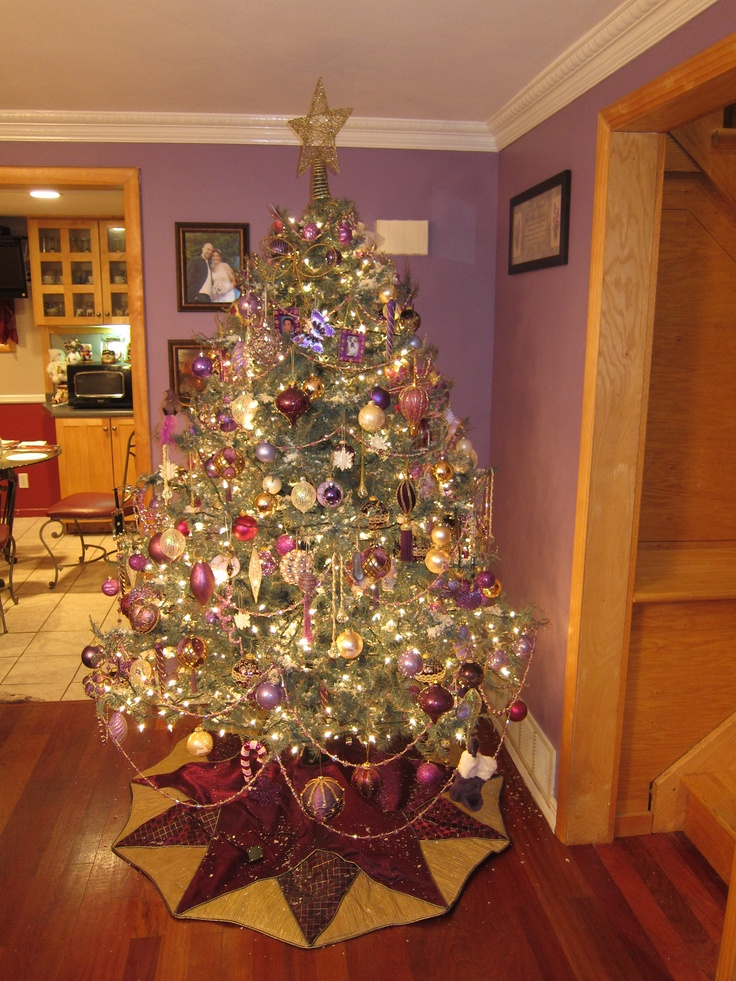 Pin by cindy b on christmas tree themes pinterest for Best looking christmas tree