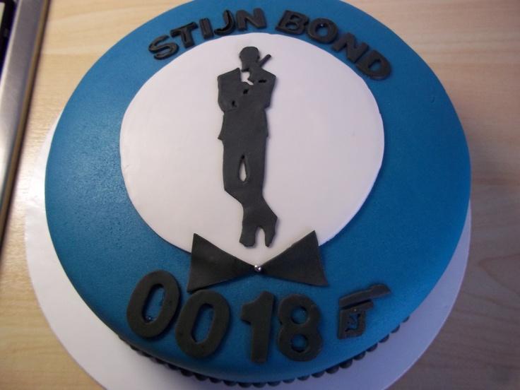 Cake Design James Bond : james bond cake my own cakes and cupcakes Pinterest